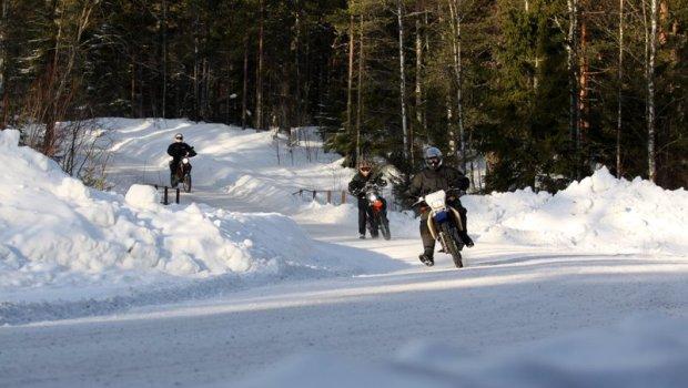 Norwegen-Motorrad-Winter-Winterfahren-Enduro-Finnskogen-2011-229-620x350.jpg
